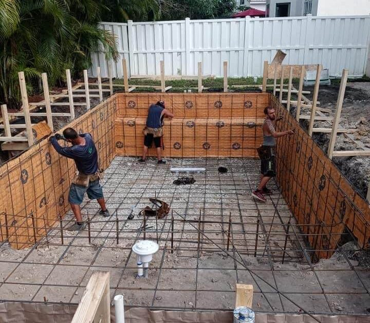 Pool Construction - Boca Raton, FL - Pool Builders constructing an inground swimming pool in Boca Raton